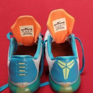newest 18b43 3d564 Nike Shoes - Nike Kobe X 10 GS High Dive size 6.5Y
